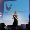 Kirsten Thoms auf der Bühne.jpg