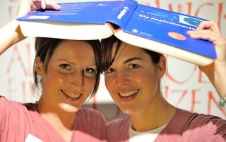 headbook Schwestern titelbild