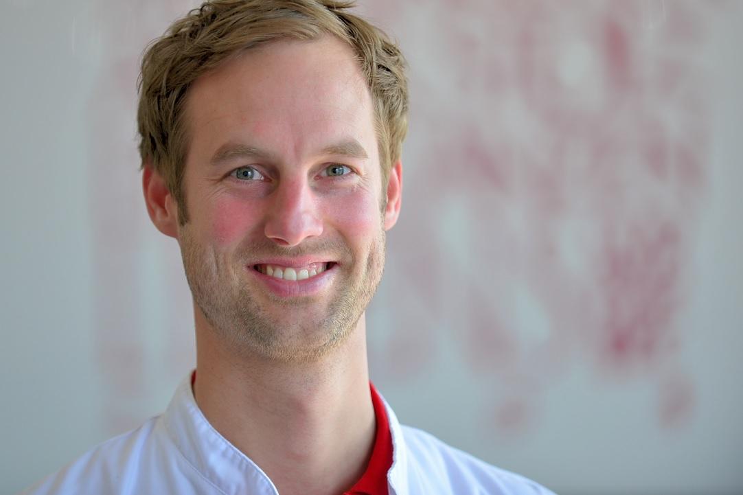 Dr. med. Julian Kees